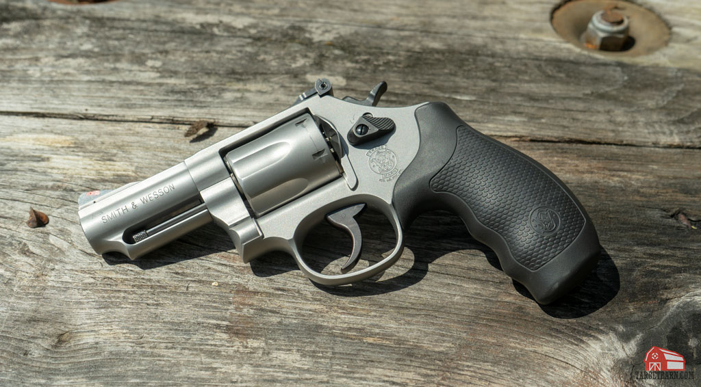 the s&w model 66 combat magnum balances ease of shooting with ease of carrying